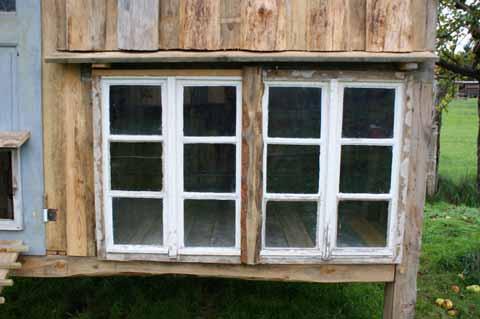 Der perfekte h hnerstall pimp my bauernhof for Fenster nass