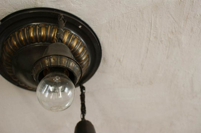 alte-lampe-bronze-02
