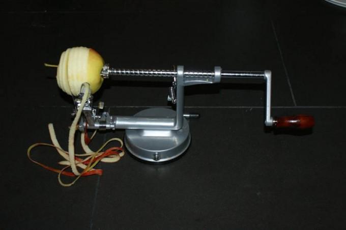 apfelschaelmaschine apfelzerspanungsmechaniker 01