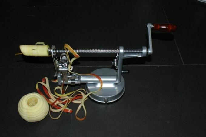 apfelschaelmaschine apfelzerspanungsmechaniker 03
