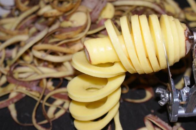 die-laengesten-pommes-frittes-der-welt-fritten-1