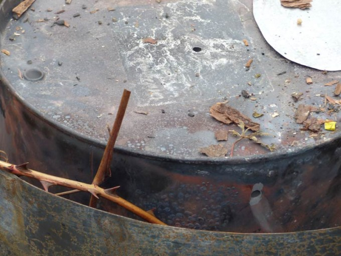 holzkohle selber machen pyrolyse uds fass koehlern anleitung 13