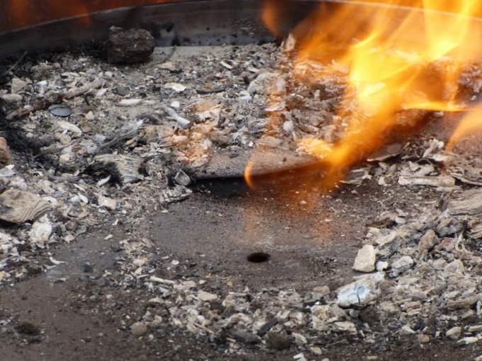 holzkohle selber machen pyrolyse uds fass koehlern anleitung 14