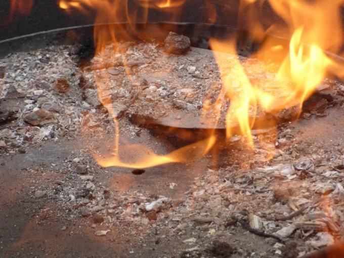 holzkohle selber machen pyrolyse uds fass koehlern anleitung 15