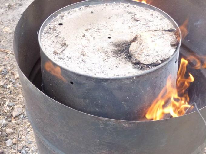 holzkohle selber machen pyrolyse uds fass koehlern anleitung 18