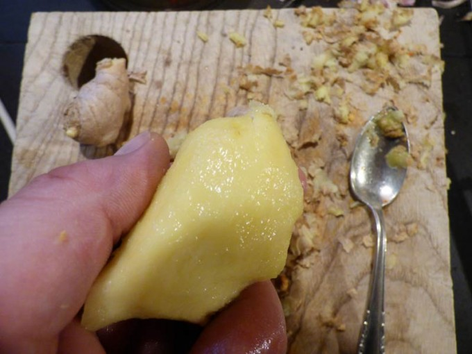 Liefehack paprika entkernen ingwer mit loeffel schälen 16