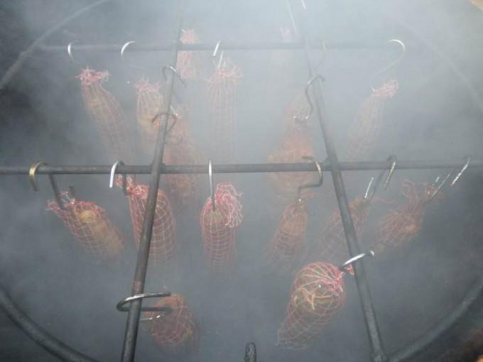sparbrand UDS raeuchern eierbox saäegespaene  04