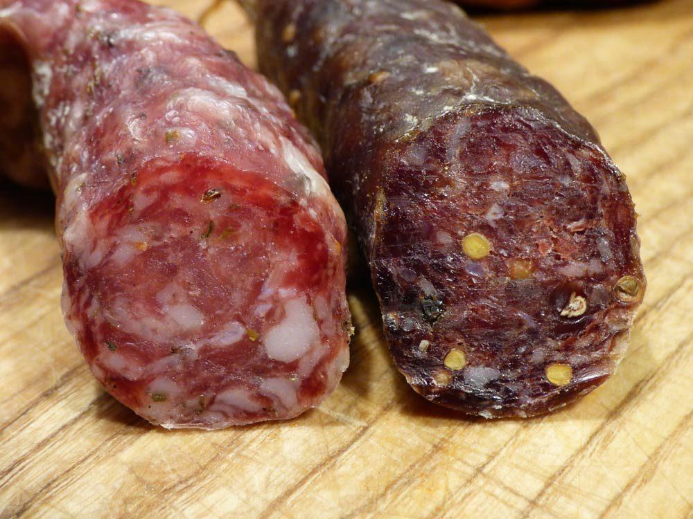 rindfleisch-knacker-halb-halb-luftgetrocknet-schweineschulter-bauchspeck-1