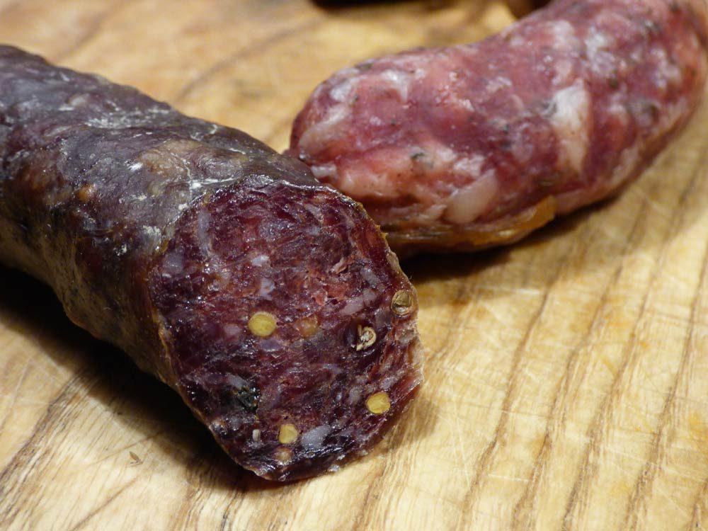 rindfleisch-knacker-halb-halb-luftgetrocknet-schweineschulter-bauchspeck-2