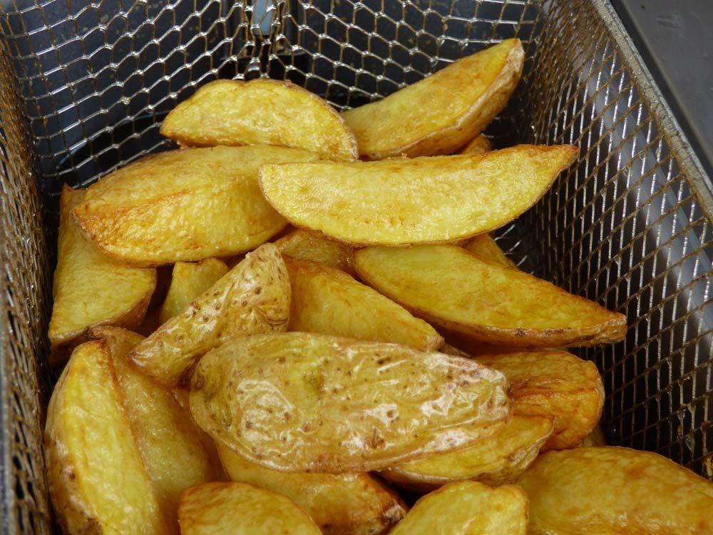 fritteuse-fritten-spaltkartoffeln-schnitzel-kroketten-6
